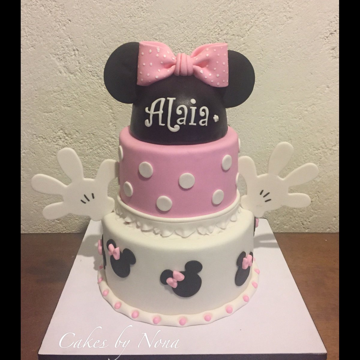 Miraculous Cakesbynona Auf Twitter Minnie Mouse First Bday Cake Primer Funny Birthday Cards Online Alyptdamsfinfo