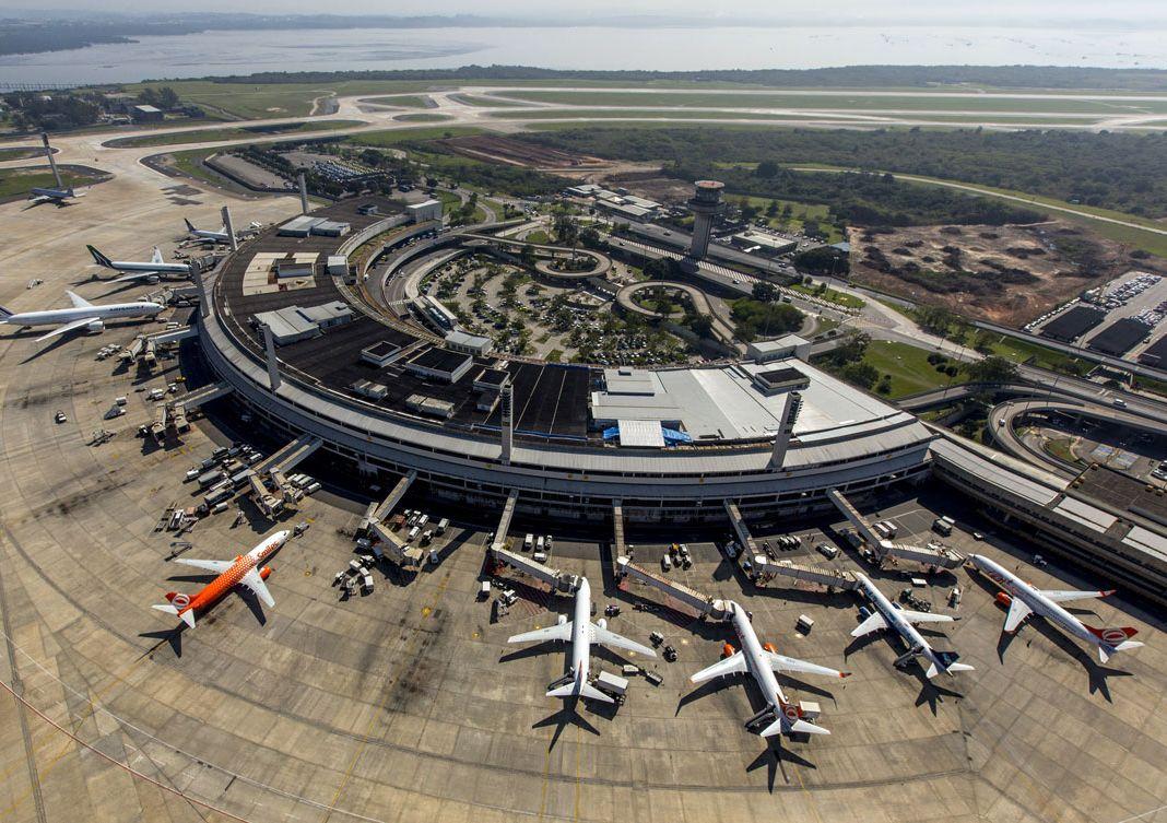 Aeroportos de SP ficam sem operar por mais de uma hora. Problema no sinal do radar na Área de Controle Terminal fechou pousos e decolagens em Guarulhos, Congonhas e Viracopos. #FocoEmVocê