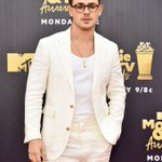 #MTVAwards Twitter Photo