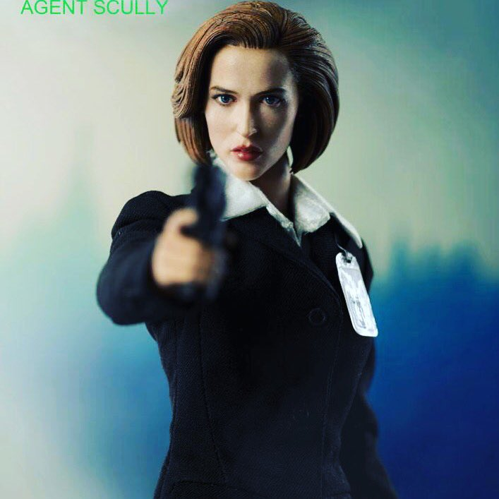 Theezero action figure agente Dana Scully di X-Files (versione Normal e Deluxe) info scrivere a collezionismopertutti@gmail.com #threezero #danascully #scully #xfiles #actionfigures #collectibles  - Ukustom