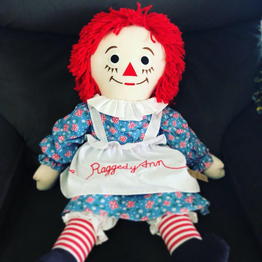 เตรียมพบกับ Reggady Ann & Andy หรือแอนนาเบลเร็วๆนี้นะคะ เด็กๆกำลังทยอยมาอีกล๊อตพร้อมกับตุ๊กตาวินเทจ สวยทุกตัวค่ะ #reggadyann #reggadydoll #annabelle #annabelldoll #แอนนาเบล #แอนนาเบลมือสองpic.twitter.com/Oqt1nxi3iU