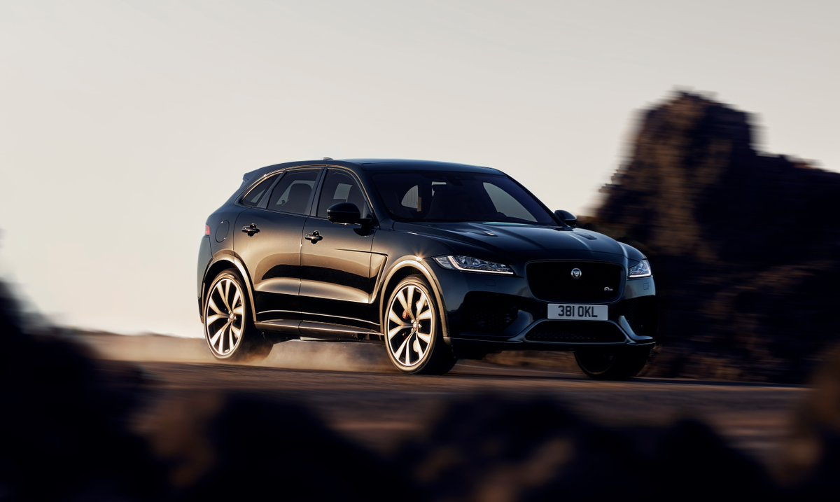 An SUV with the DNA of a sports car. A sports car with all the practicality of an SUV. 100km/h in a thrilling 4.3 seconds, #Jaguar #FPACE #SVR has been designed for uncompromised performance: ow.ly/AmP830ksvWM