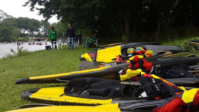 Bij het water aan de Uithof wordt momenteel het NK kanopolo gehouden. Foto s Rolf van Koppen https://t.co/BuNflv8L4l