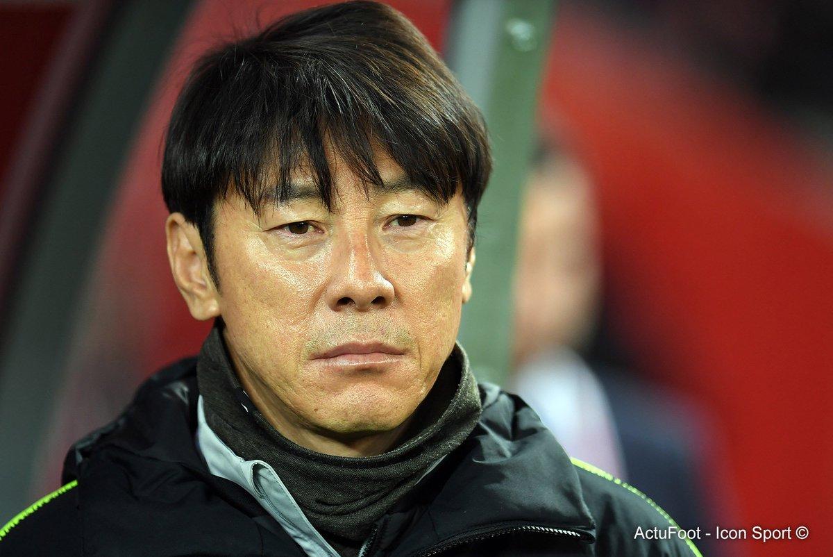 Afin d'éviter tout problème d'espionnage, Shin Tae-yong (sélectionneur de la Corée du Sud) a changé les numéros de ses joueurs à l'entraînement.  « Il est très difficile pour les Occidentaux de différencier les Asiatiques... » a t-il expliqué. 🇰🇷