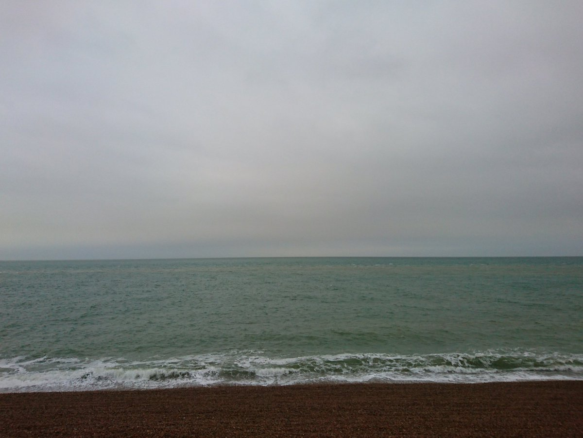 Channel status..... Sea smell wind from the south west @englishchannel @lamanche<br>http://pic.twitter.com/srVBAUpv71