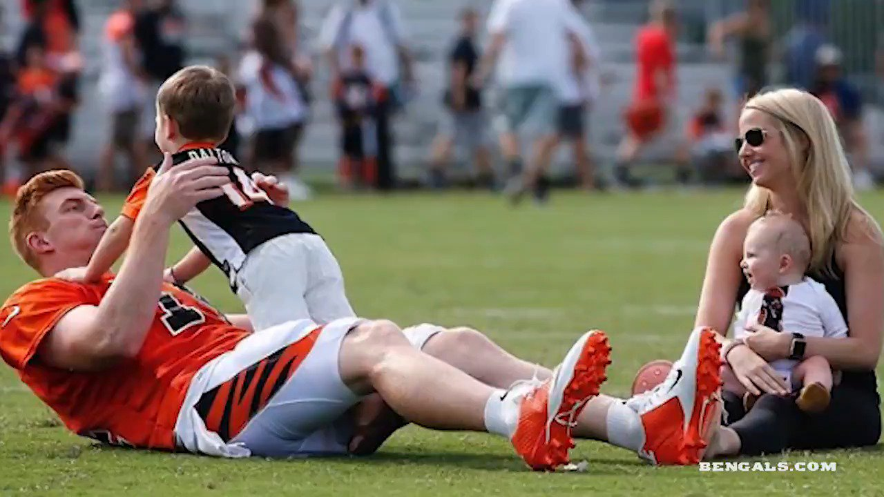 Happy #FathersDay from the Cincinnati #Bengals! https://t.co/AMRXkE3tw9