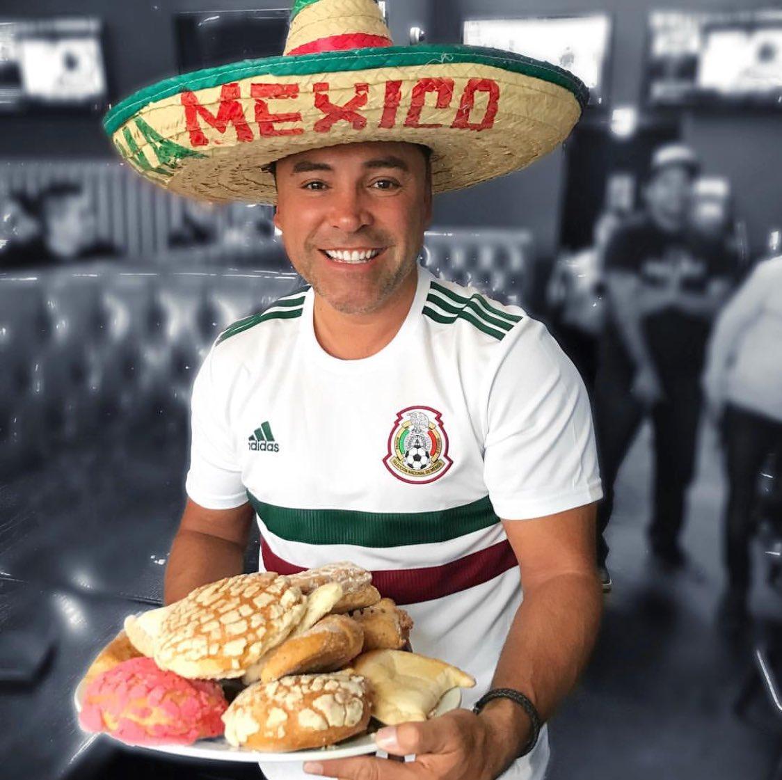 Viva México 🇲🇽 y el pan dulce!!! #sisepuede #mexico #futbol