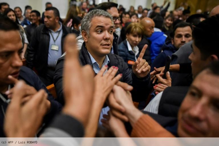 Présidentielle en Colombie: duel droite/gauche, la paix en toile de fond https://t.co/UUf8XgvqGQ