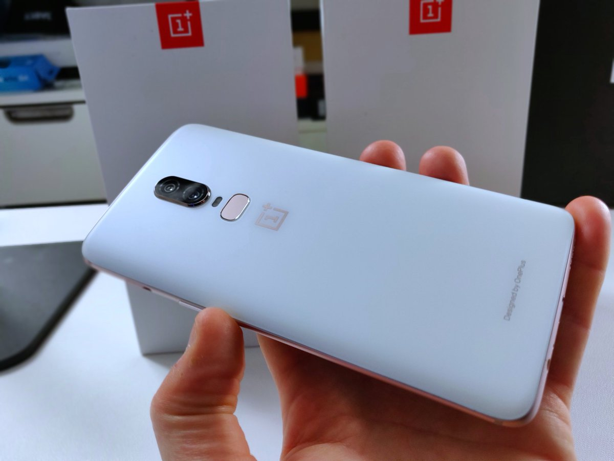GIVEAWAY WEEK IS HERE! This #OnePlus6 &#39;Silk White&#39; could be yours! More info shortly! #Oneplus #Giveaway<br>http://pic.twitter.com/6ebi60DVJN