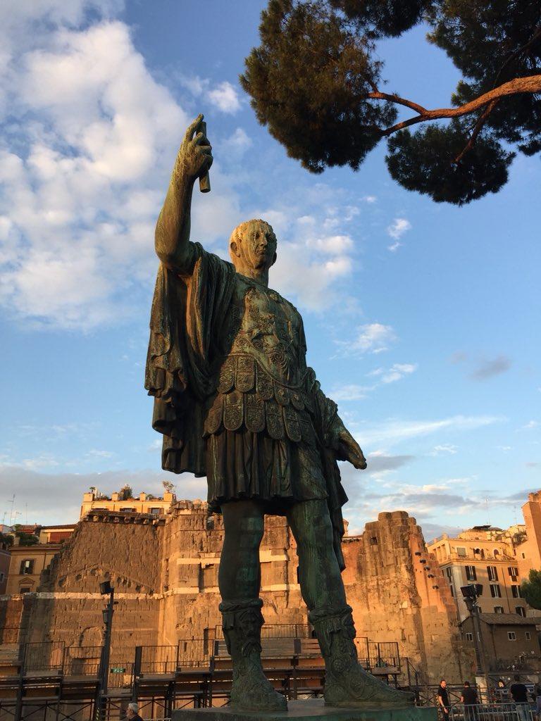 Un #Tramonto imperiale #Romeisus #17giugno @TrastevereRM @BeautyfromItaly @3BMeteo @f_girasole @romewise @claviggi @SaiCheARoma