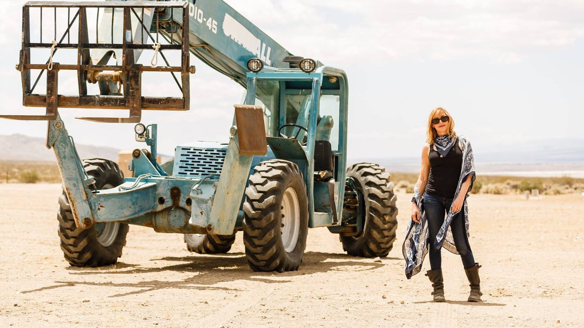 Well, we hope you enjoyed last week's takeover, with all its #MythBusters behind-the-scenes stories, by @KariByron. Be sure to follow her on Twitter to stay in touch, and thanks again, Kari!