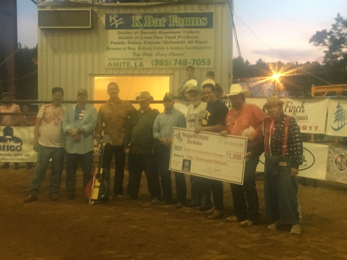 Had a blast with Quad Vets at the rodeo last night! #FathersDay  #Veterans #Goodtimes #rodeo<br>http://pic.twitter.com/Nty4XrAmBr