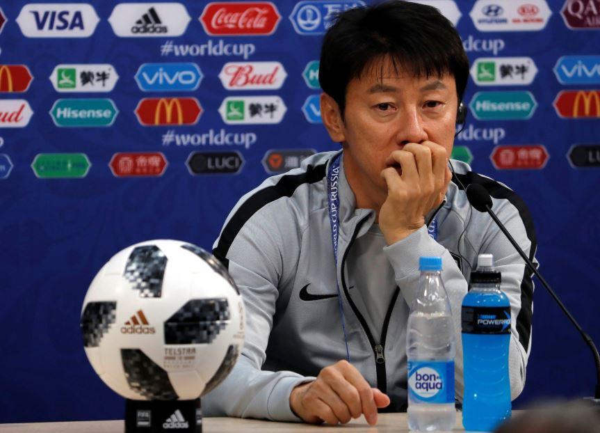 [#CM2018] Shin Tae-yong🇰🇷 (sélectionneur Corée du Sud) a changé les numéros de maillots de ses joueurs à l'entraînement pour palier aux problèmes d'espionnage.   Son explication 💬 : 'Il est très difficile pour les occidentaux de faire la distinction entre les asiatiques.'