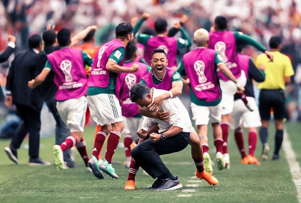 Esto es de todos!! Se juegue o no!! Que gran grupo! Gran triunfo, gran esfuerzo!! Pero solo es un paso, con mucha ecuanimidad, a disfrutar y a partir de los próximos días enfocarnos en el siguiente rival!!! #NadaNosDetiene #VivaMéxico