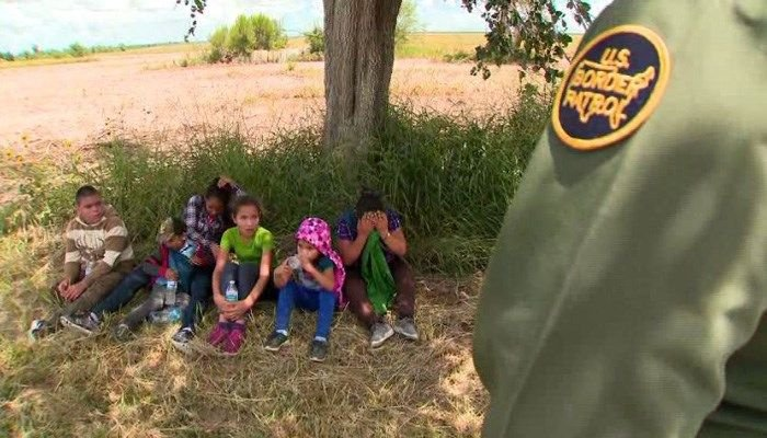 Hundreds of children wait in Border Patrol facility in Texas #wmc5 >>https://t.co/wG7ff1iJ47