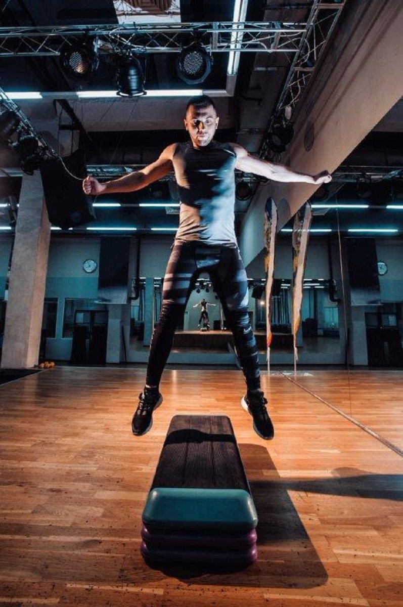 Get your students jumping! Try out this combo class of functional fitness moves and plyometric exercises that creates an intense and fun interval workout. https://t.co/i0CyTFD29x