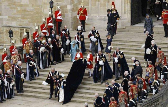 >@Emais_Estadao Família real britânica terá seu primeiro casamento gay https://t.co/SO2xvQvKrh
