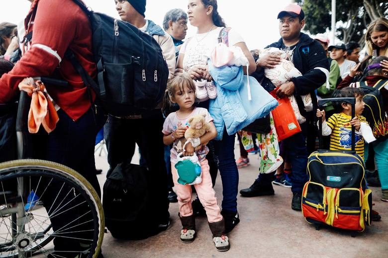 A running list of how to help fight family separation at the border: https://t.co/21B5sgkDzs https://t.co/gHuOKcFtXu