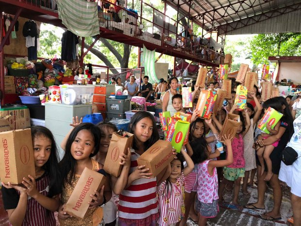Enderun student org EES spearheaded #ProjectHappiness to help out fire victims.  http:// ink.enderuncolleges.com/2018/06/16/end erun-entrepreneurs-society-sparks-happiness-for-western-bicutan-fire-victims/ &nbsp; … <br>http://pic.twitter.com/D5DoqYOvDL