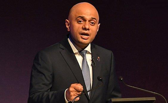Sajid Javid reveals he was mugged by moped thieves https://t.co/YPWuUIulyX https://t.co/DuYijYcYA9