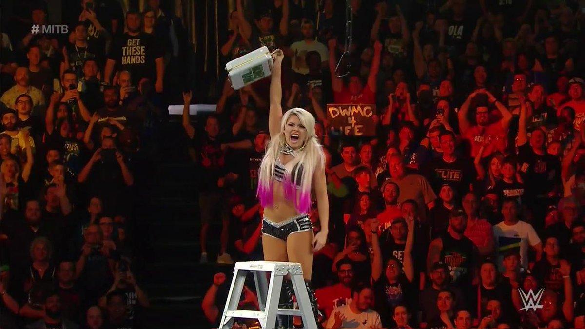 Breaking: @AlexaBliss_WWE ist neue Mrs. Money in the Bank! #WWE #MITB