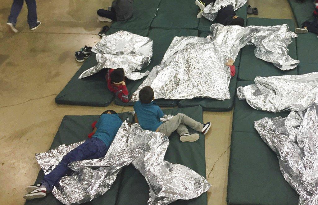 Hundreds of children wait in Border Patrol facility in Texas. https://t.co/MMpZNQVw9q via @LasVegasSun