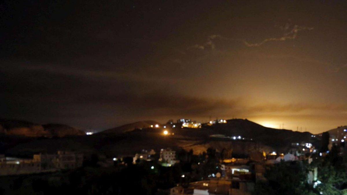 Siria, raid della coalizione a guida Usa nell'est: vittime e feriti #siria https://t.co/l4mpIzC1eS
