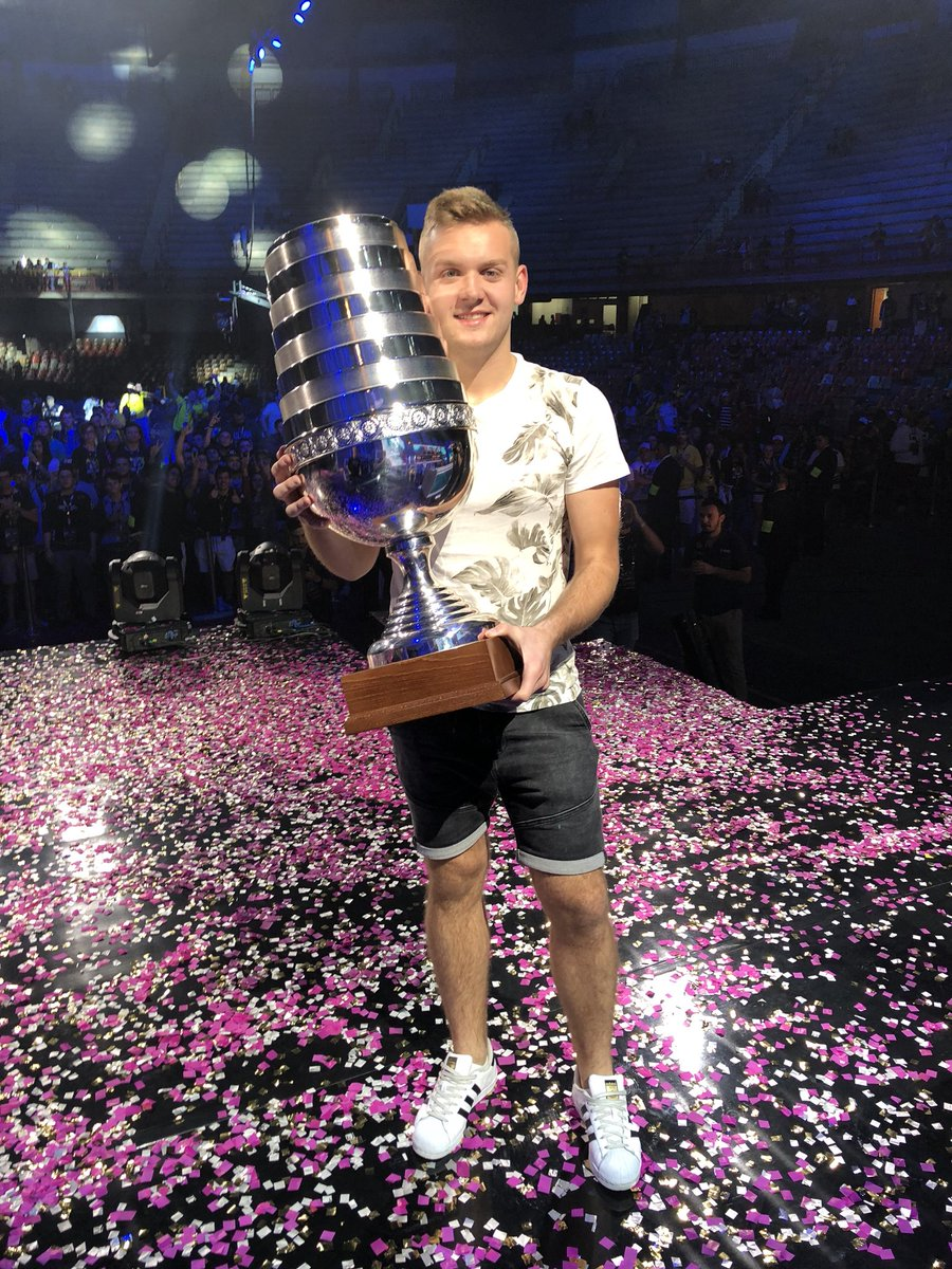 Champions of #ESLOne Belo Horizonte!! Thank you Brazil so much, I love you all ❤️