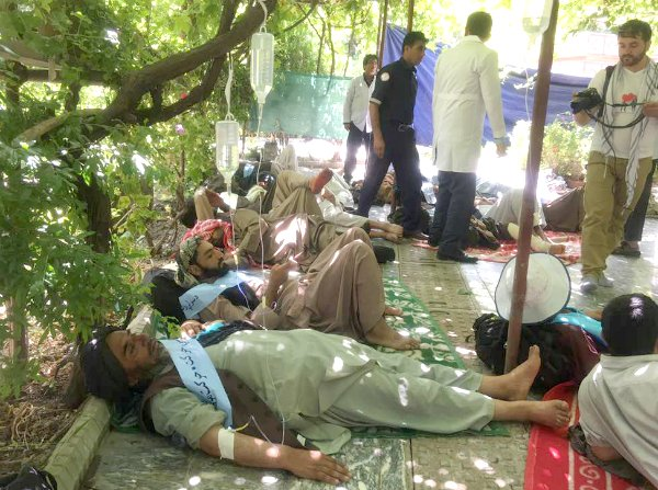 Medics Treat Peace Convoy Activists In #Kabul #Afghanistan https://t.co/t1kj85Pc4A