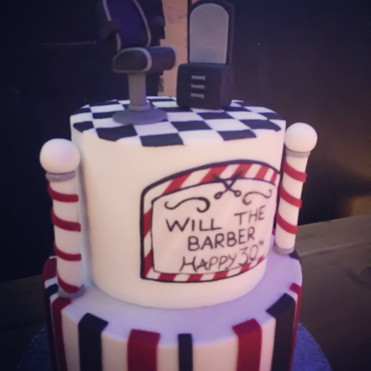 For Goodness Cake AM On Twitter What Better Way To Celebrate The Big 3 0 Than With Cakestagram Cakedecorating Cakesofinstagram