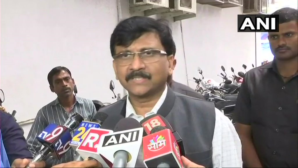 The type of movement Arvind Kejriwal has started is a unique one. Uddhav Thackeray had a conversation with him & said that Kejriwal has the right to work for Delhi because they are the elected govt. Whatever is happening to them, it's not good for democracy:Sanjay Raut, Shiv Sena