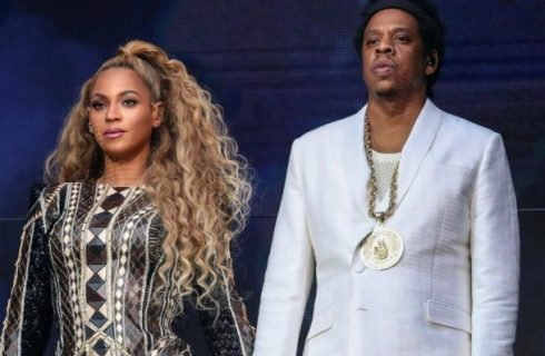 #Beyonce e #JayZ, su #Tidal il primo album di coppia: #EverythingIsLove LEGGI QUI    https:// www.diregiovani.it/2018/06/18/170165-beyonce-e-jay-z-album-everything-is-love.dg/#BeyonceandJayZ #ApeSht  - Ukustom