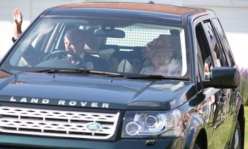 The Queen and Prince Philip are all smiles as they reunite in public after Philip's absence at Trooping the Colour: https://t.co/F1IbFDo3S1