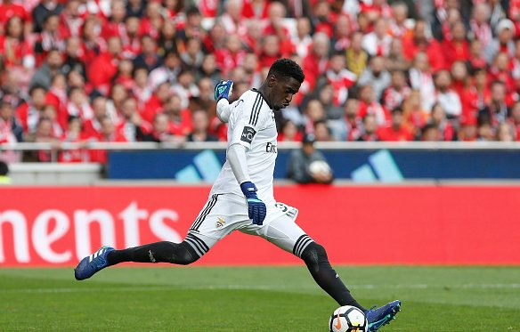 From Portugal: Watford in talks to sign 23 year old Bruno Varela, Benfica want a minimum of €15m.   https://t.co/O4uSakOggR #watfordfc