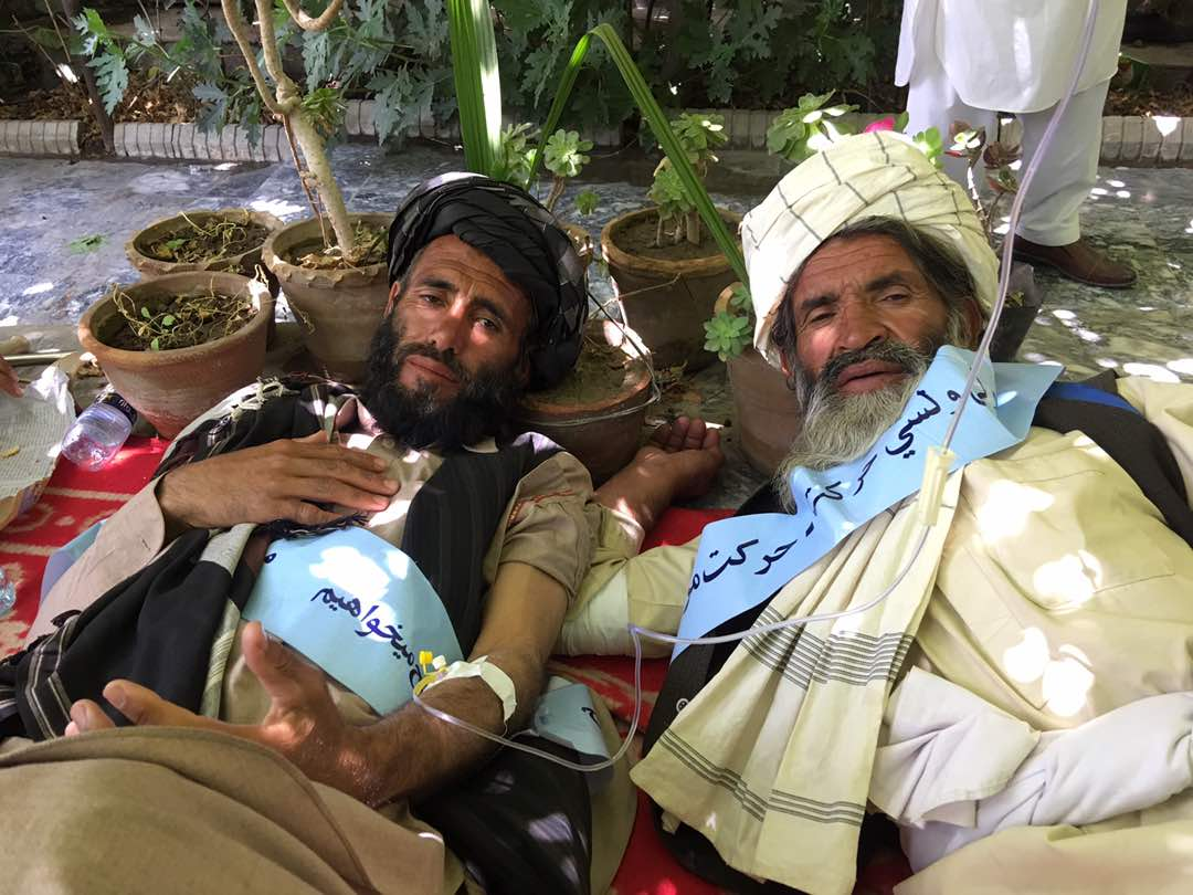 #PeaceConvoy – medics at Abdul Rahman Khan mosque confirm four activists have been taken to hospital as they are in serious condition. Medics said they are being treated for stomach problems and severe dehydration.  #Afghanistan