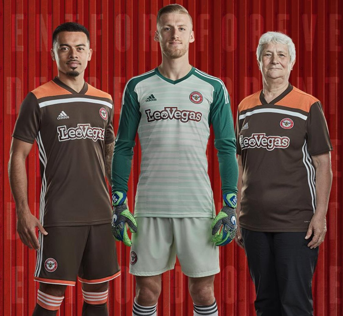 @Boblar10 Personally I love this kit…very smart! @BrentfordFC