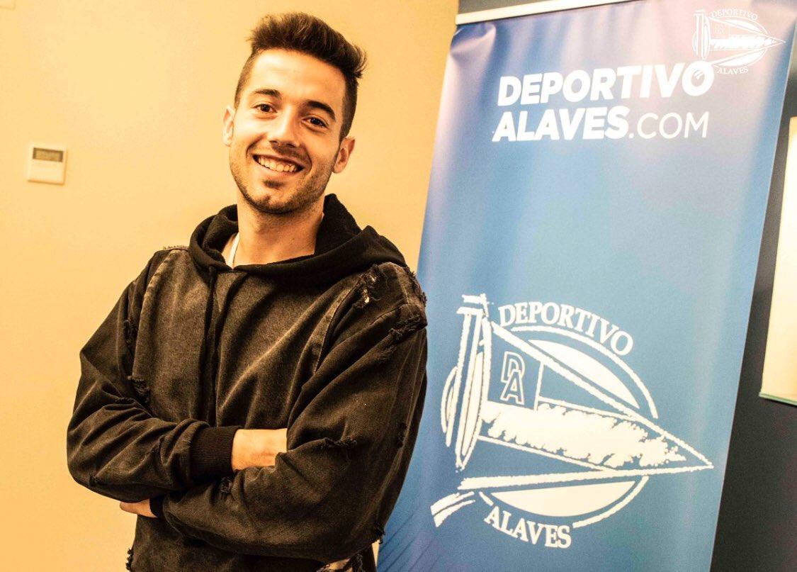 Empieza una nueva etapa en el @Alaves , con ganas de que sea un buen año a nivel individual, pero sobre todo en el colectivo, que se cumplan los objetivos y la afición disfrute del equipo. #GoazenGlorioso 🔵⚪️