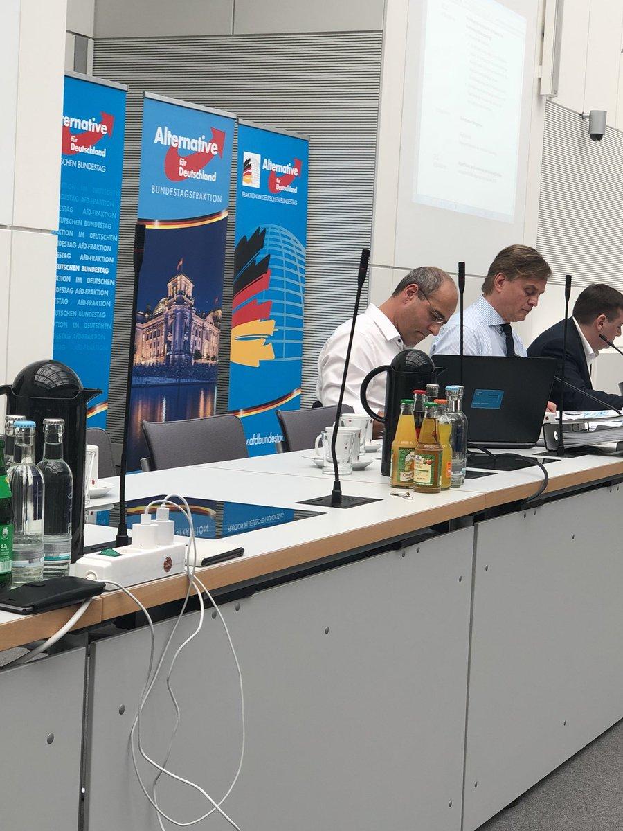 Niedlich Hauptwarmwasserflasche Galerie - Schaltplan Serie Circuit ...