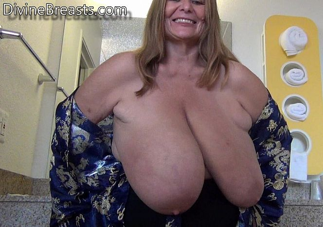 Sarah Big Titty Surprise see more at https://t.co/BszZqaqVKv https://t.co/51upcNg4MR