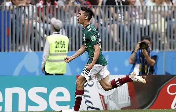 World Cup star Hirving Lozano was 'in the plans' of Man United and Juventus even before his heroics. Not the strongest of links, but there's something comforting about the inevitability.   https://t.co/Sre5AoPO0p #mufc