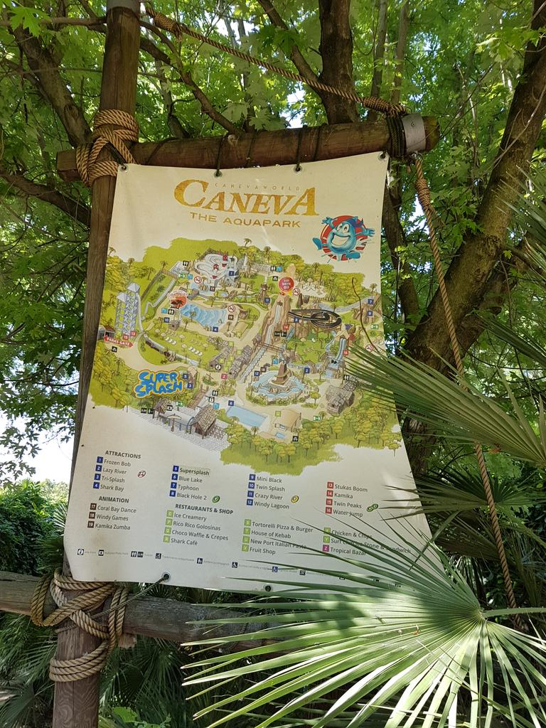 #Caneva is a beautifully themed water park, it's next door to the #Movieland theme park pic.twitter.com/ABtTiGFi1x