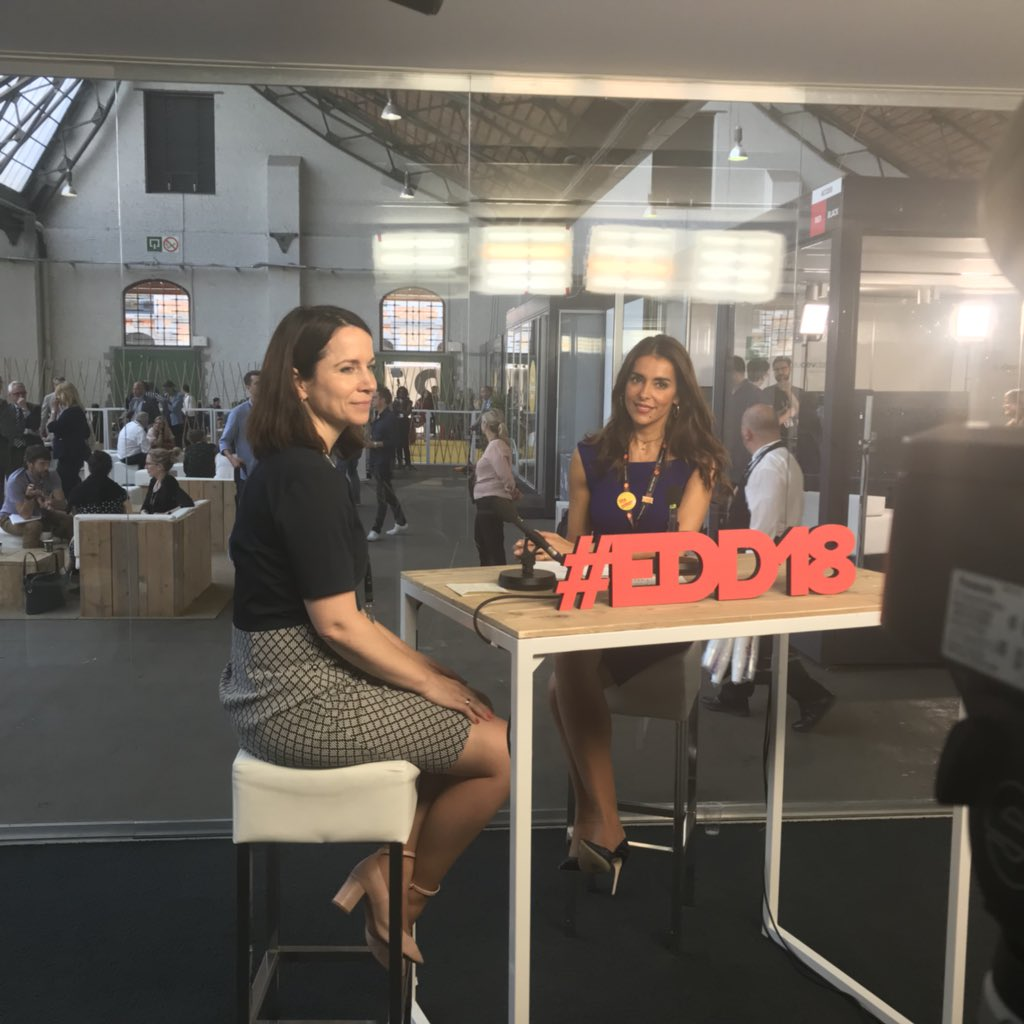 We're live from #EDD18 with @UNFPA Goodwill Ambassador Catarina Furtado. Join us now 👉 facebook.com/europeaid/vide…
