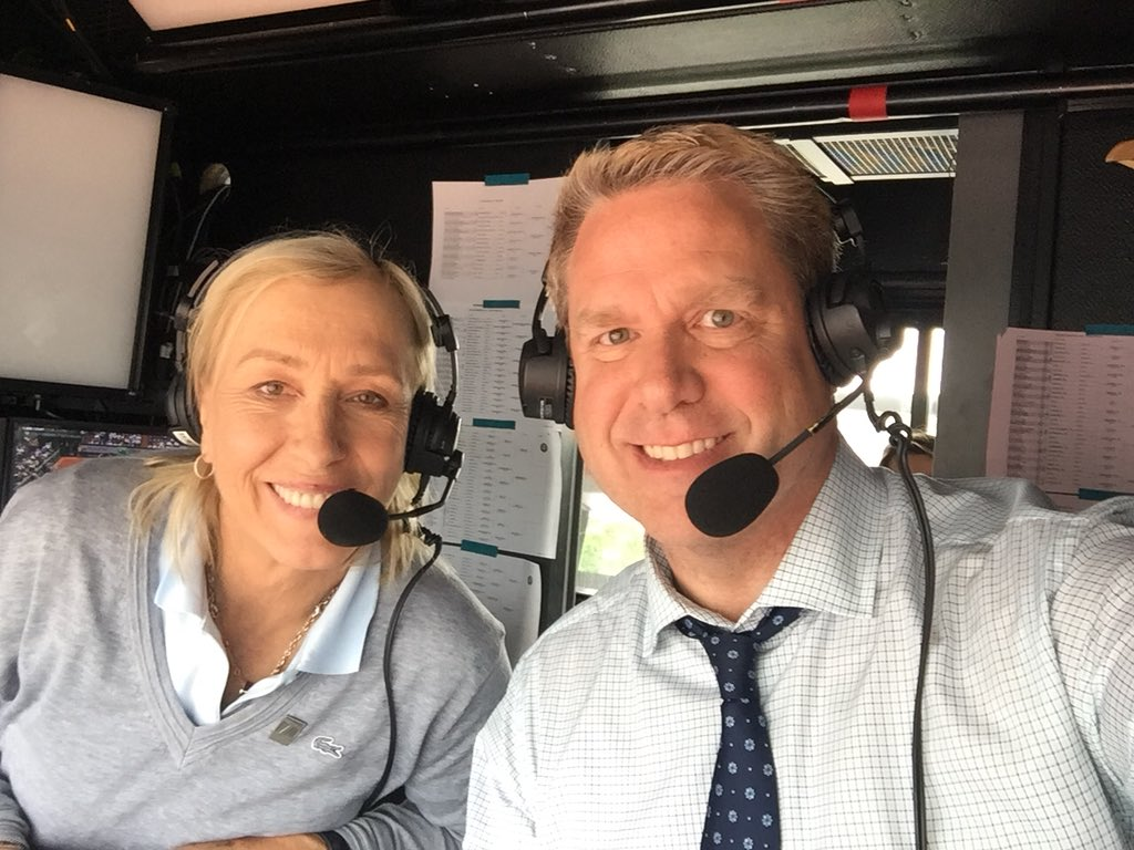 Waiting out the rain on Lenglen with the legend. @martina @TennisChannel #RG18