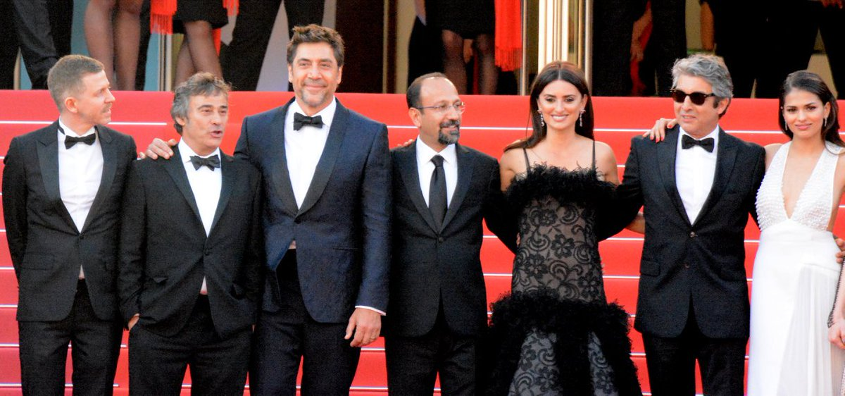 Everybody Knows (film) on Wikipedia is illustrated with this. #CHANELinCannes Can you do better? https://t.co/9PC6lRc0N9 https://t.co/pl9qi2pgdc