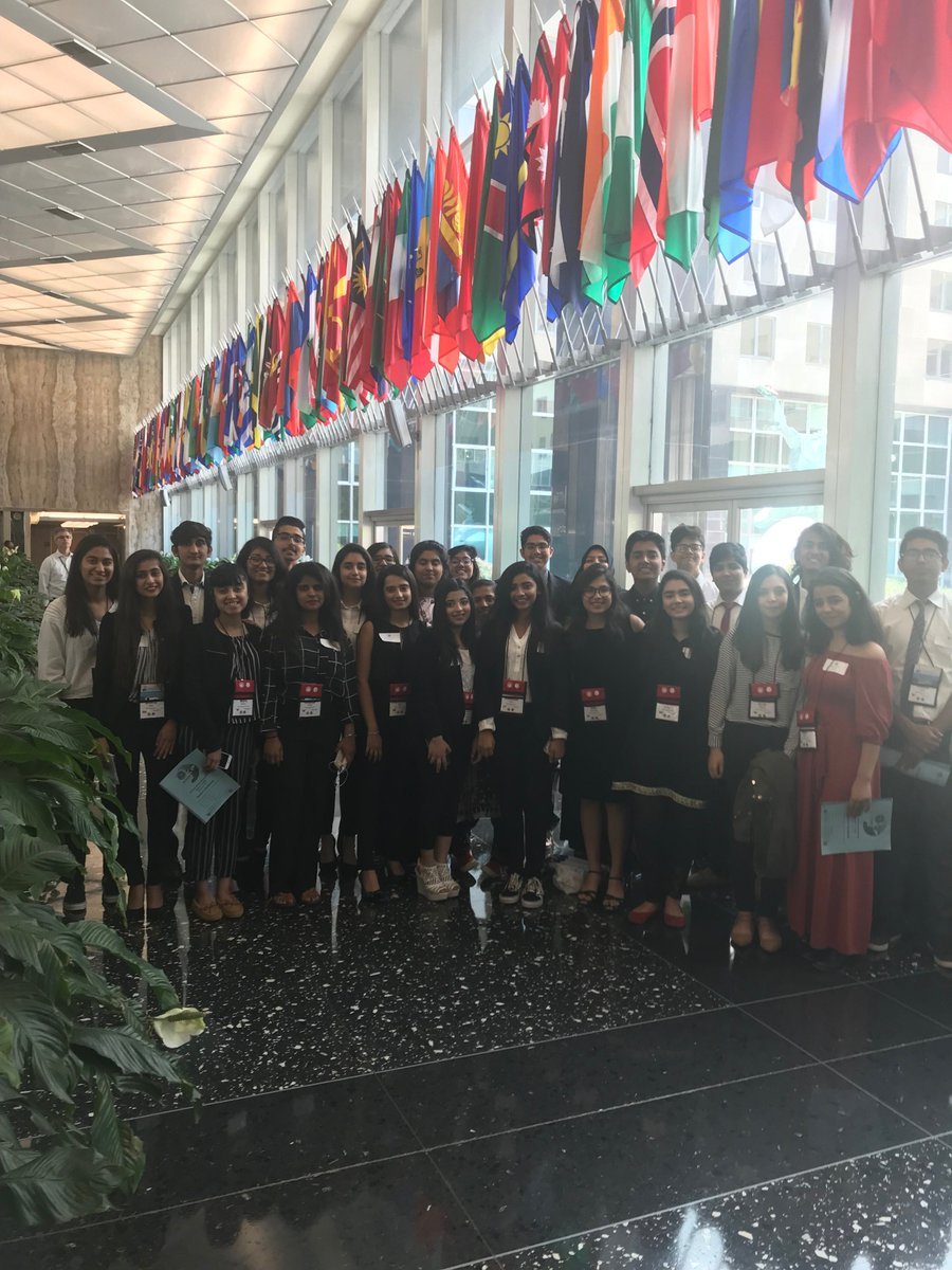 YES students from #Pakistan met with DAS David Ranz at @StateDept today for their end of year program. Students spoke about their experience studying at US high schools and also took the opportunity to remember their friend and cohort member, Sabika Sheikh.