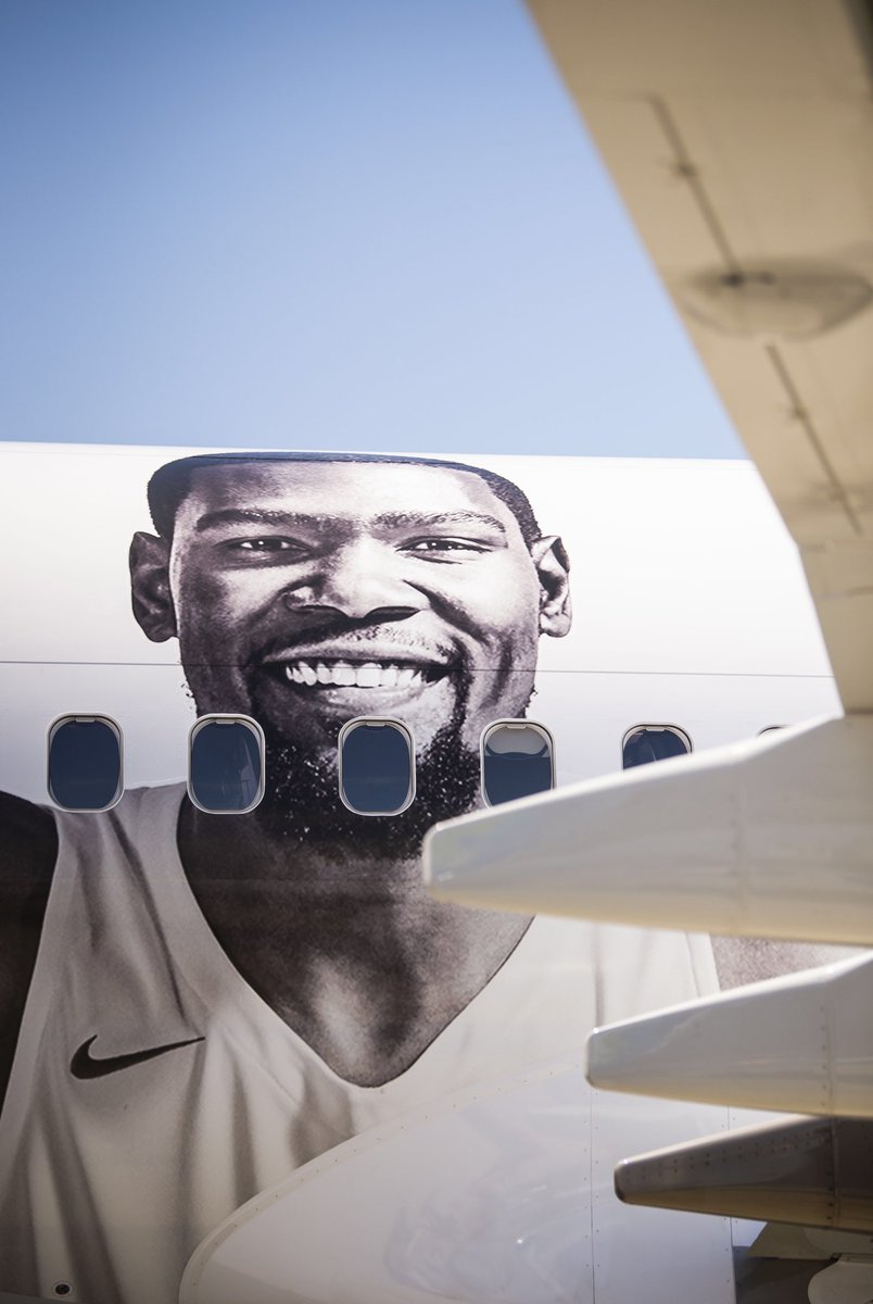 We're all smiles after that game! Great job @KDTrey5!