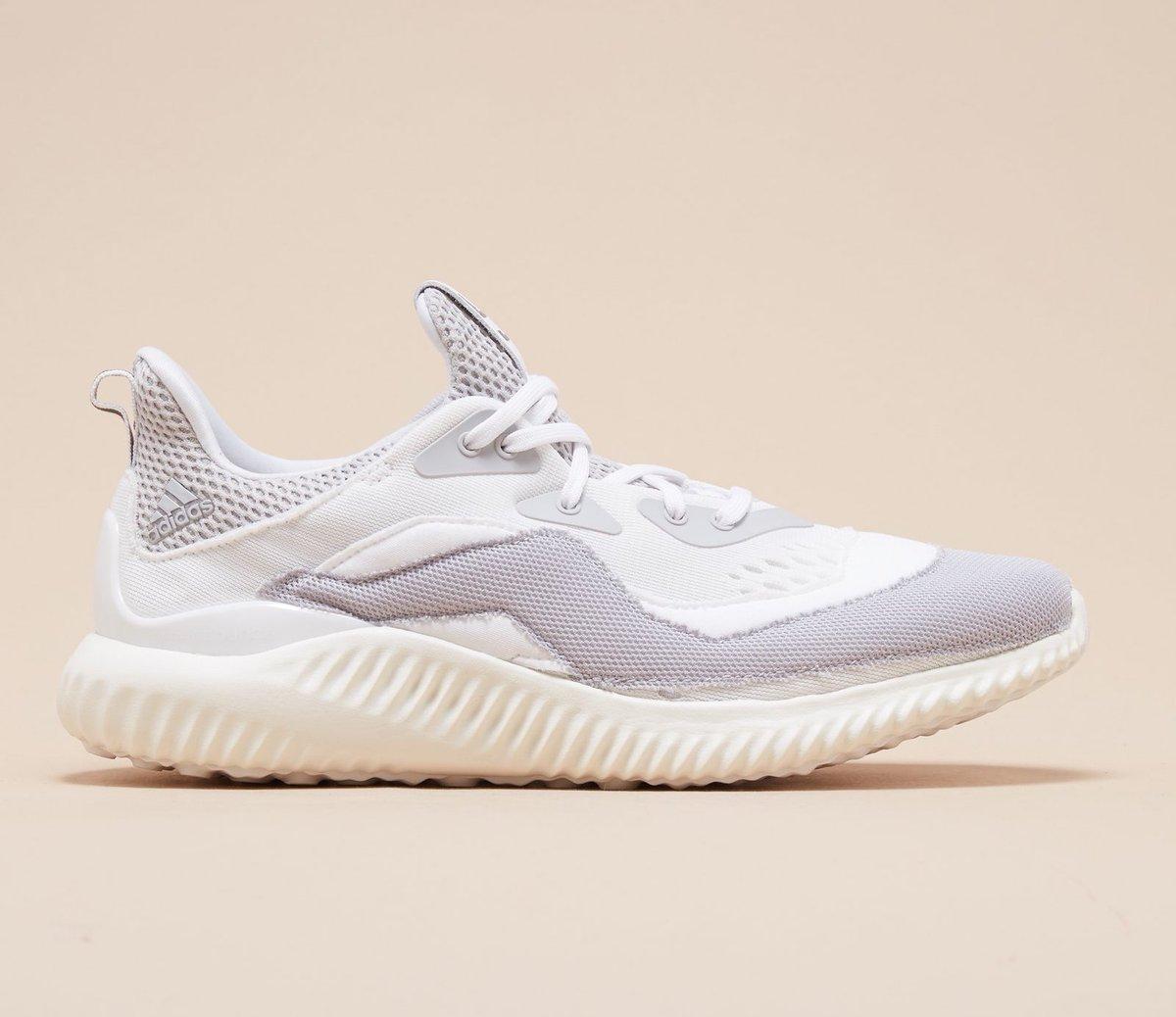 dfc04c962fc40 Sneaker Shouts™ on Twitter