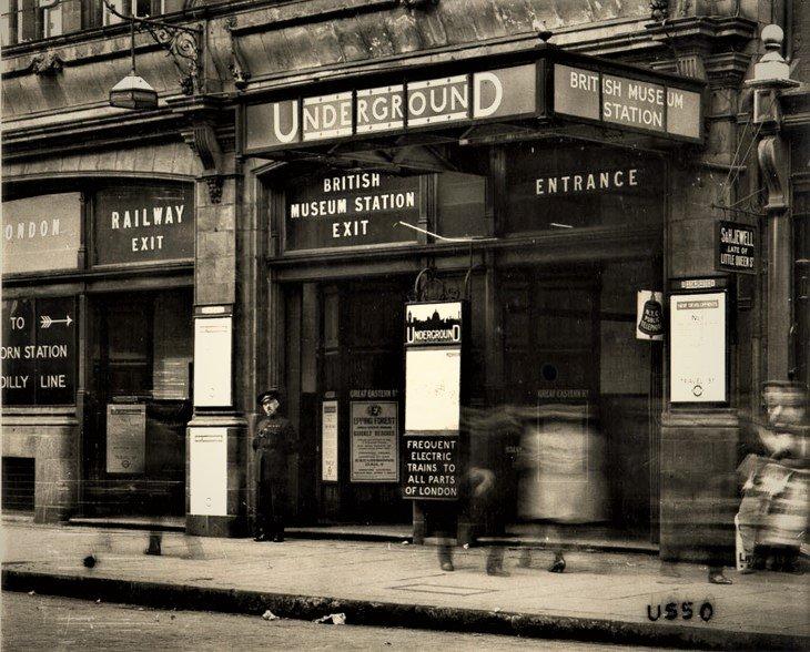 DfDmJVvWkAE6EJY?format=jpg - Central London Railway 120th anniversary
