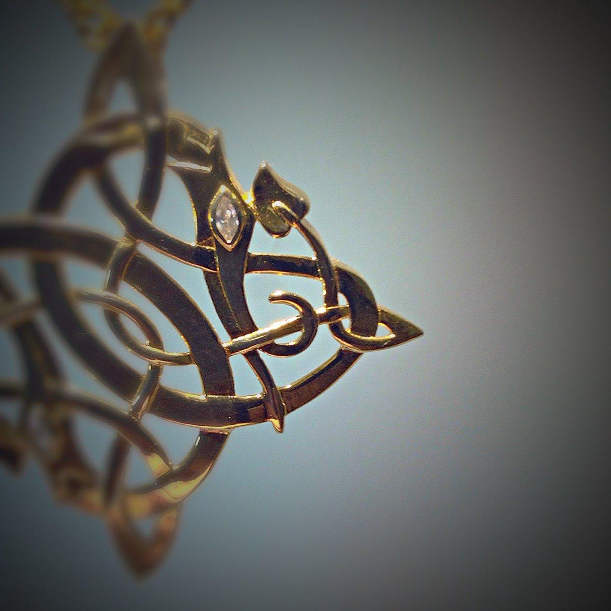 Aidi Macdibhi On Twitter Dragon Symbolism In Jewelry Wearing
