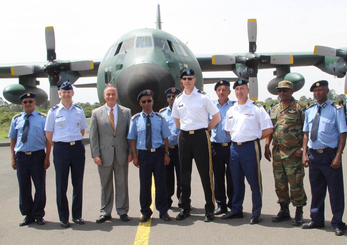 الولايات المتحده تمنح سلاح الجو الاثيوبي طائره نقل عسكري نوع C-130E  DfEdB0aXkAEfPLd